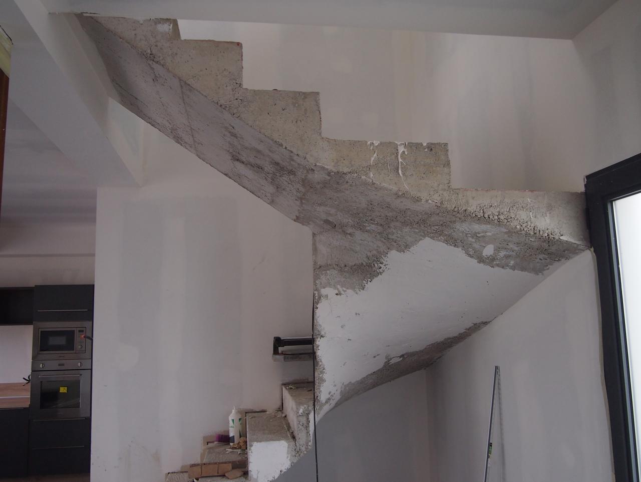 b ton cir taloch dans un escalier. Black Bedroom Furniture Sets. Home Design Ideas