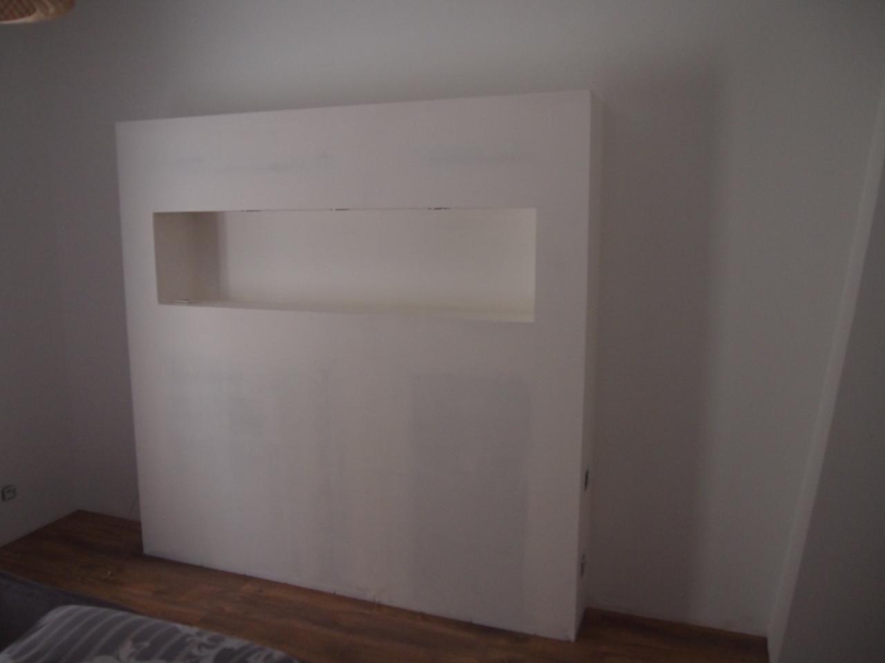 B ton cir murs de cuisine salon et t te de lit - Tete de lit en placo ...